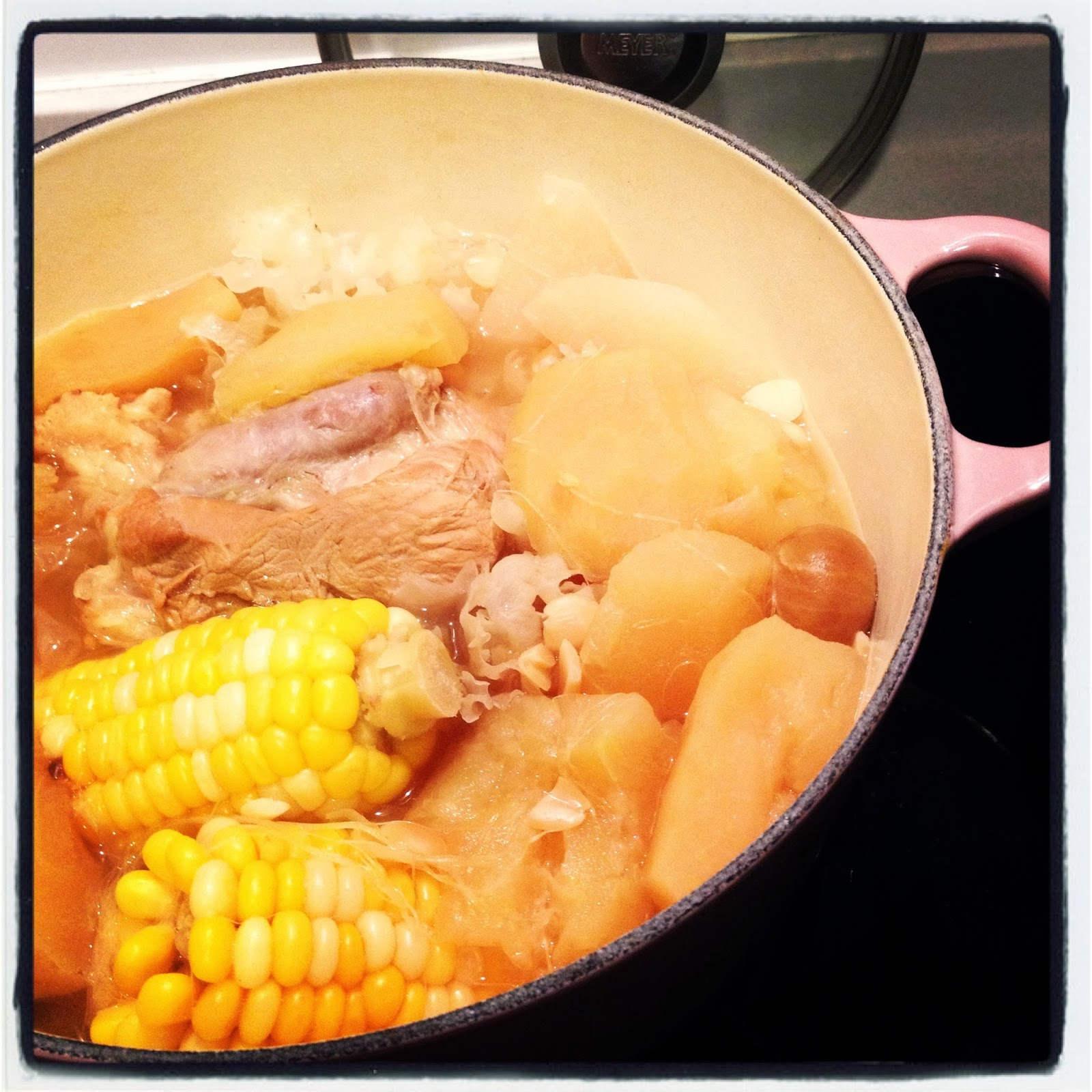 廚房筆記: 湯水- 蘋果雪梨粟米雪耳無花果湯